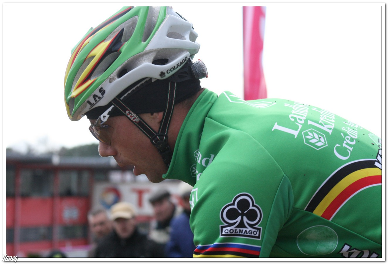 Sven Nys sluit seizoen af met overwinning in Waregem