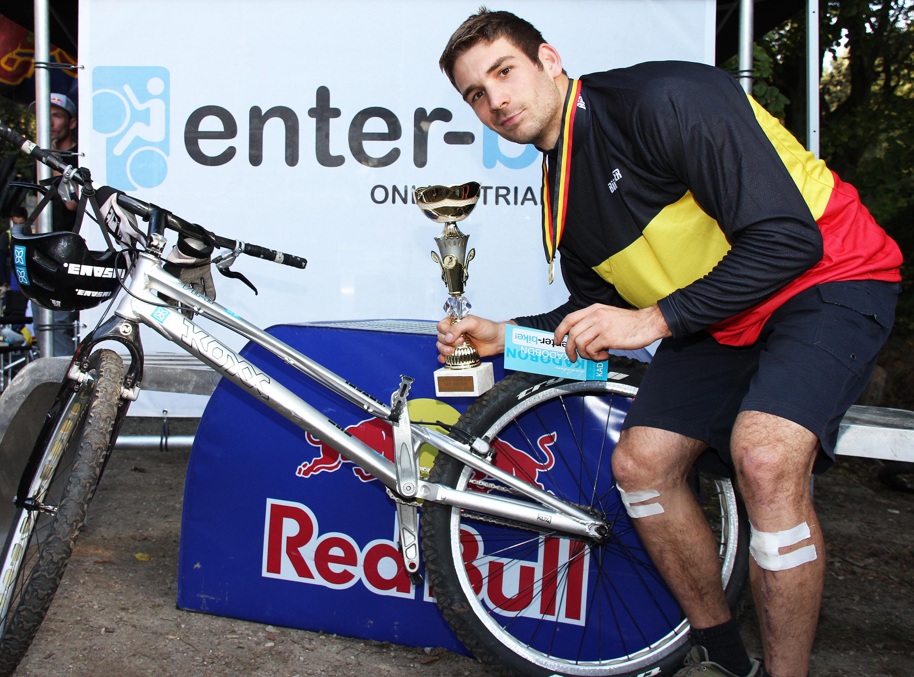 Offroadclinics met Iciar Van den Bergh in Sven Nys Cycling center in Baal