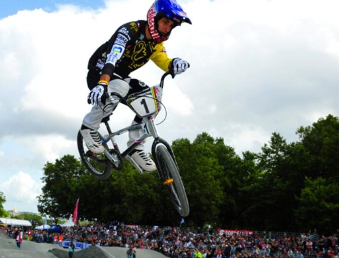 Joris Daudet, een nieuwe, jonge Franse BMX held wint 12 van de 12 EK BMX rounds en kroont zich tot absolute Europees kampioen Elite Men