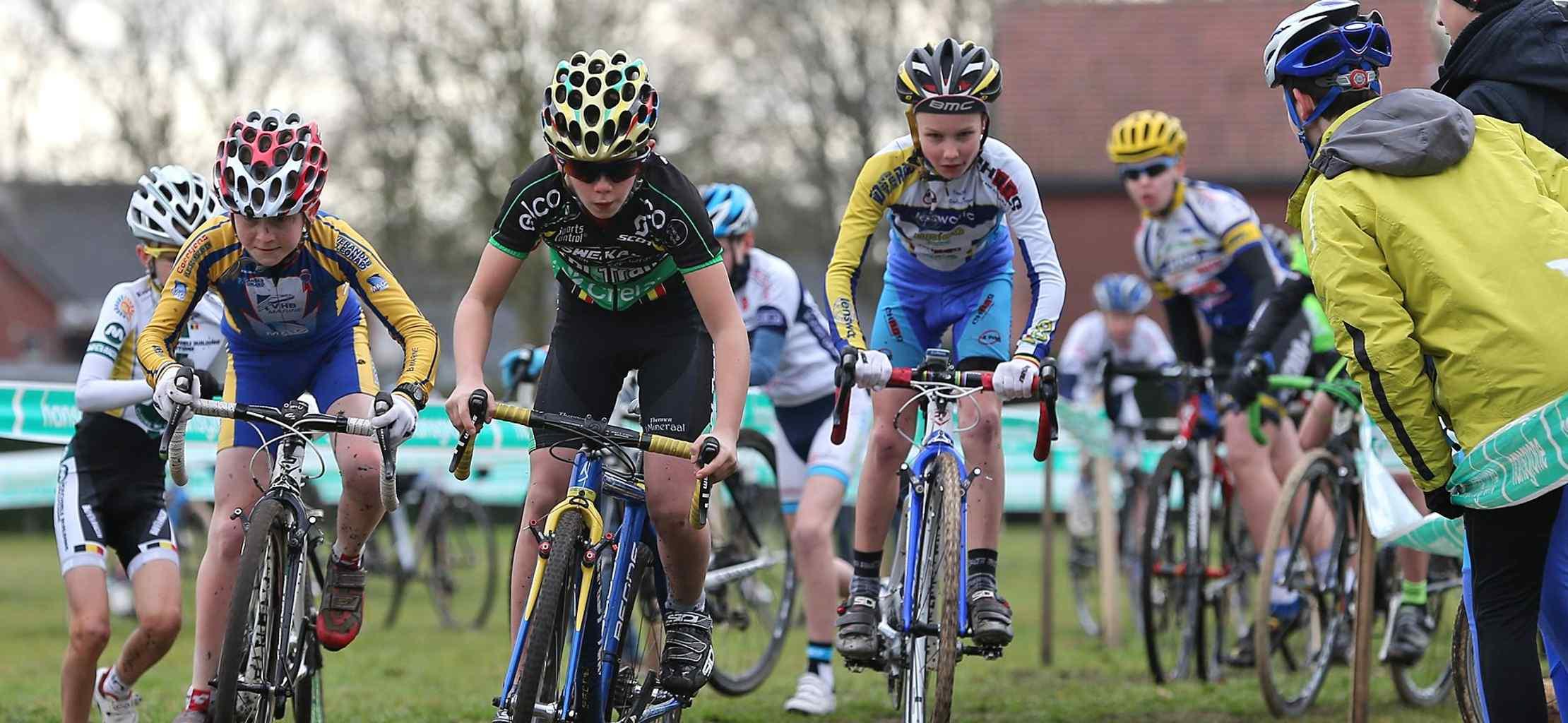 Jonge renners lossen verwachtingen in op PK aspiranten