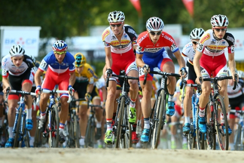 Kevin Pauwels klopt Sven Nys in Zonhoven
