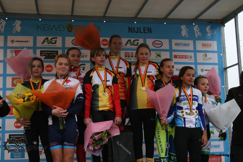 De nieuwe BK Kampioenen bij de aspiranten dames : Julie Roelands, Brouwers Julie en Van Loy Tess