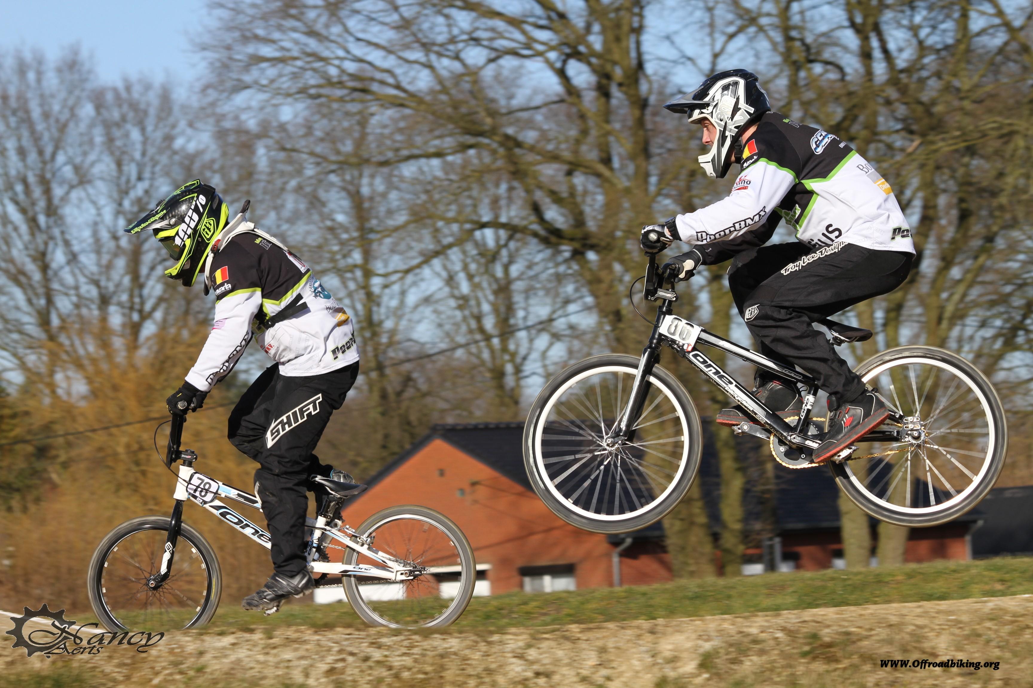 Promo wedstrijd in Peer 1 Maart 2015 Jone Vangoidsenhoven wint bij girls 15+ en Stef Van Mechelen zet de toon bij de elites