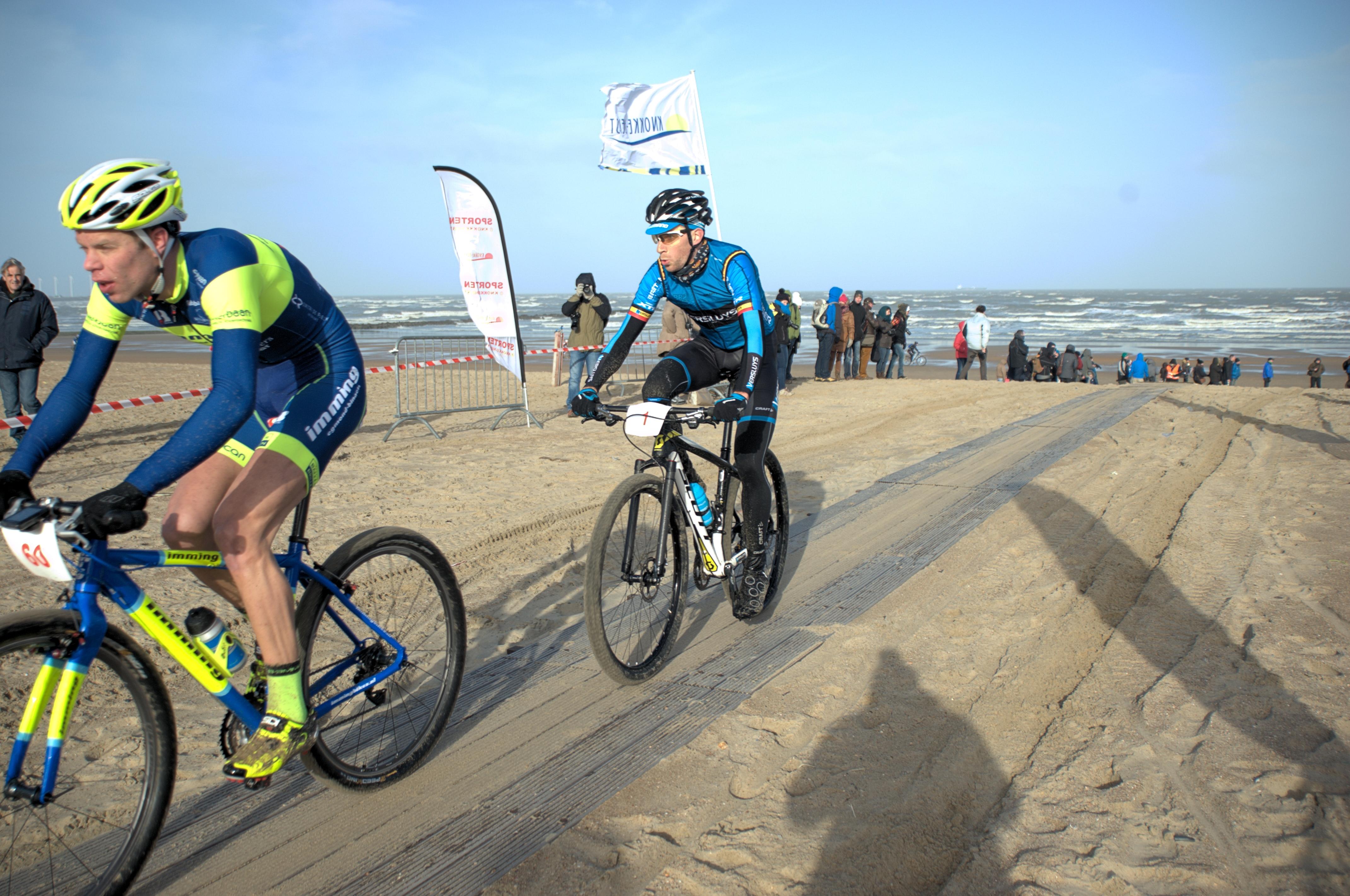 Gosse van der Meer wint de proloog van de Ameland strandrace