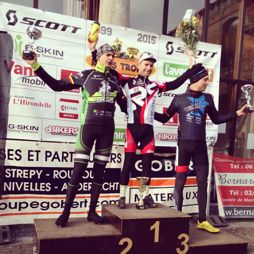 Nick De Vries wint in Thieusies