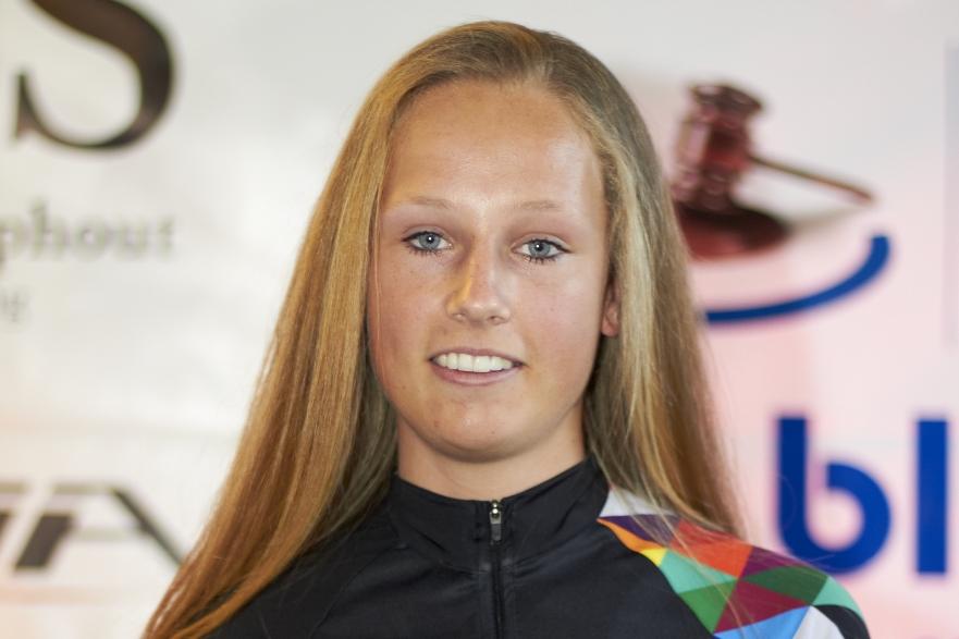 Lizzy Witlox (ploegpresentatie SBJ Biketeam 2015)