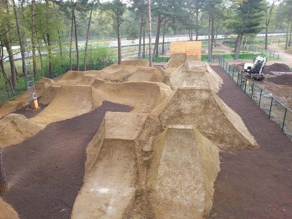 Zondag 28 juni officiële opening BMX Dirt track in Zolder