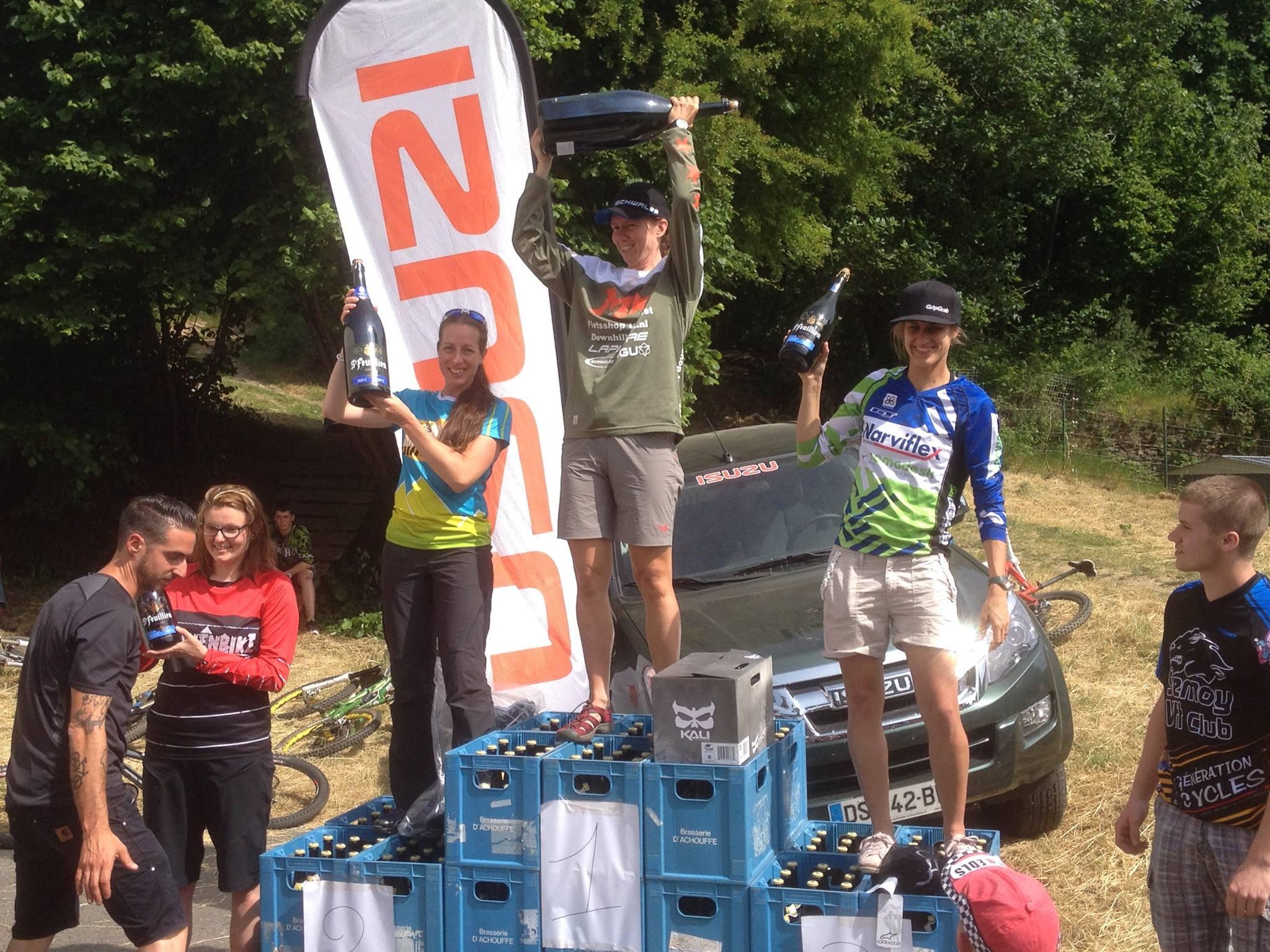 Kristien Nelen wint enduro de la Semoy