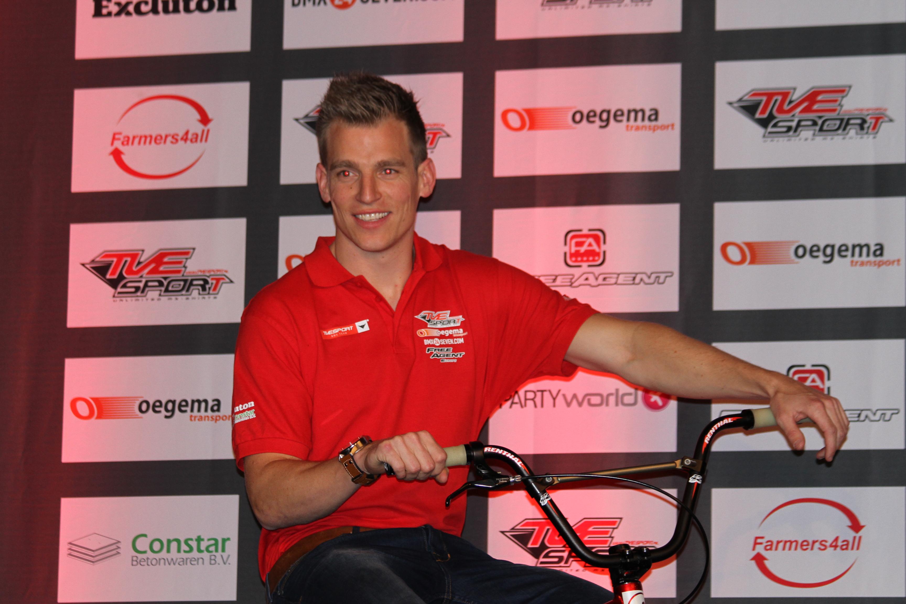 Trainer en pro-rijder Martijn Jaspers geeft een exclusief kijkje achter de schermen van de afgelopen weken.