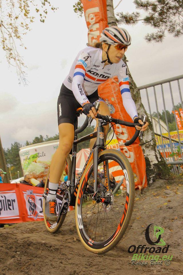 Helen Wyman toont zich de sterkste vrouw in Francorchamps