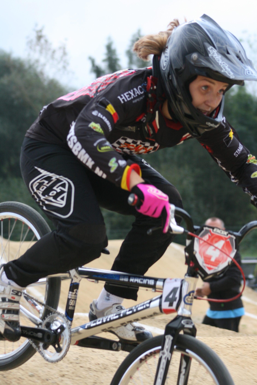 Lieze Crauwels stopt haar BMX carriere met trui Vlaams Kampioen