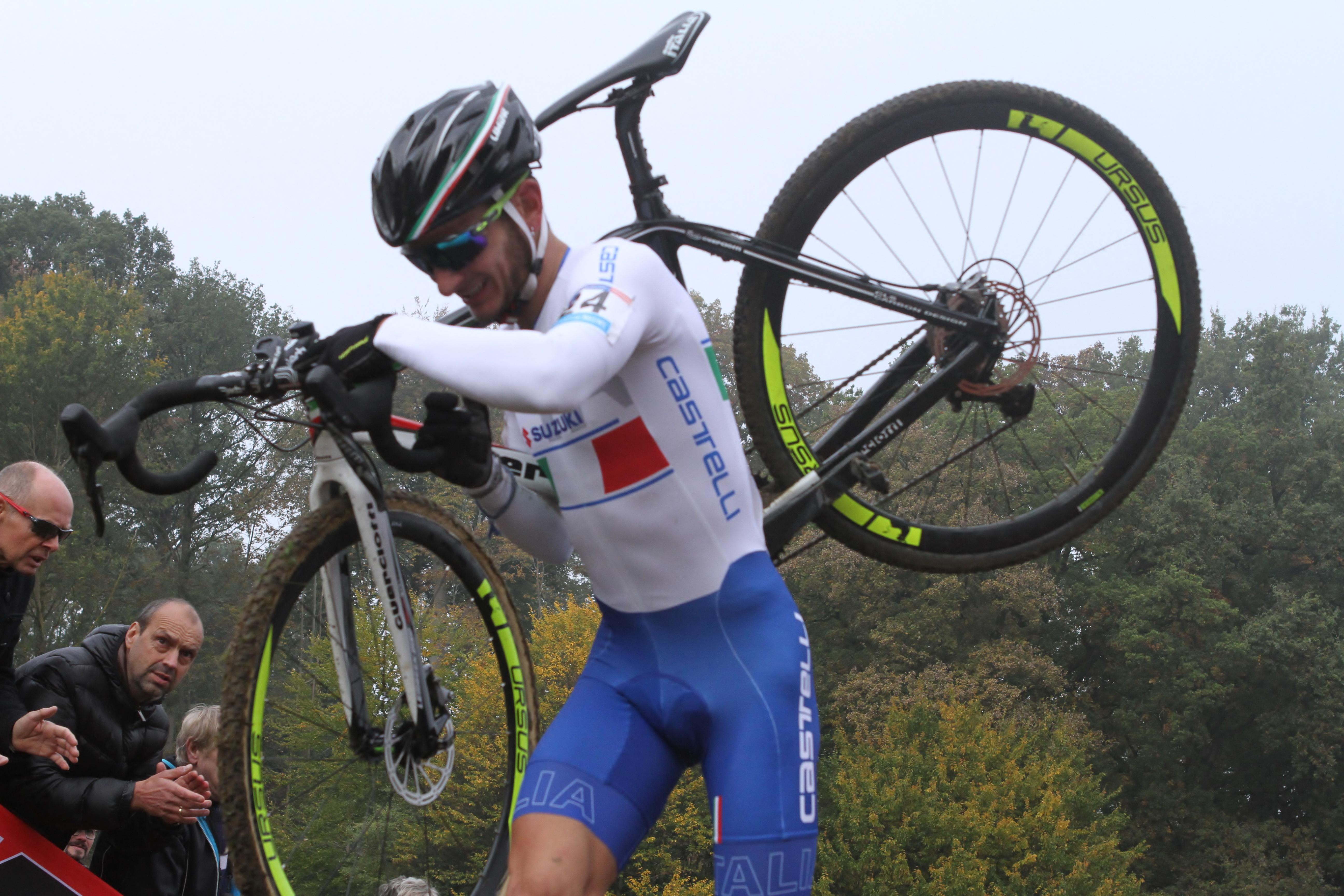 Gioele Bertolini wint bij de beloften, Quinten Hermans derde in Valkenburg