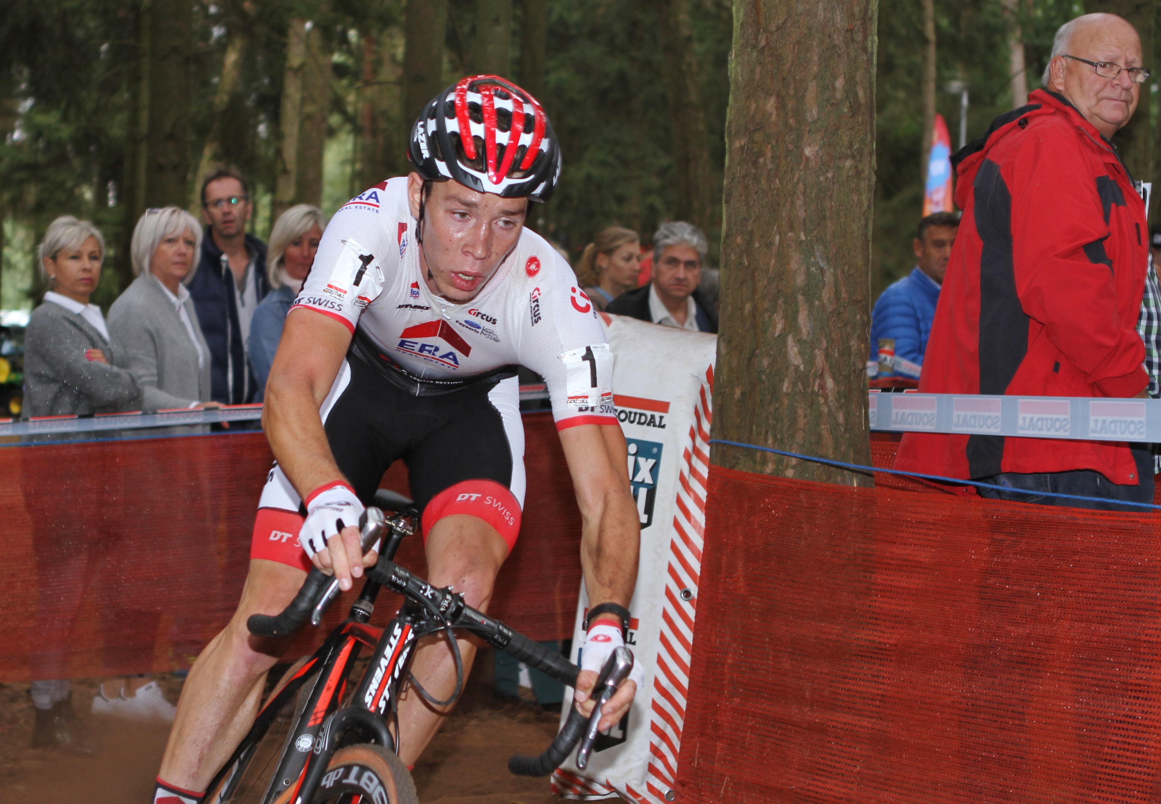 Laurens Sweeck pakt eerste zege in Neerpelt