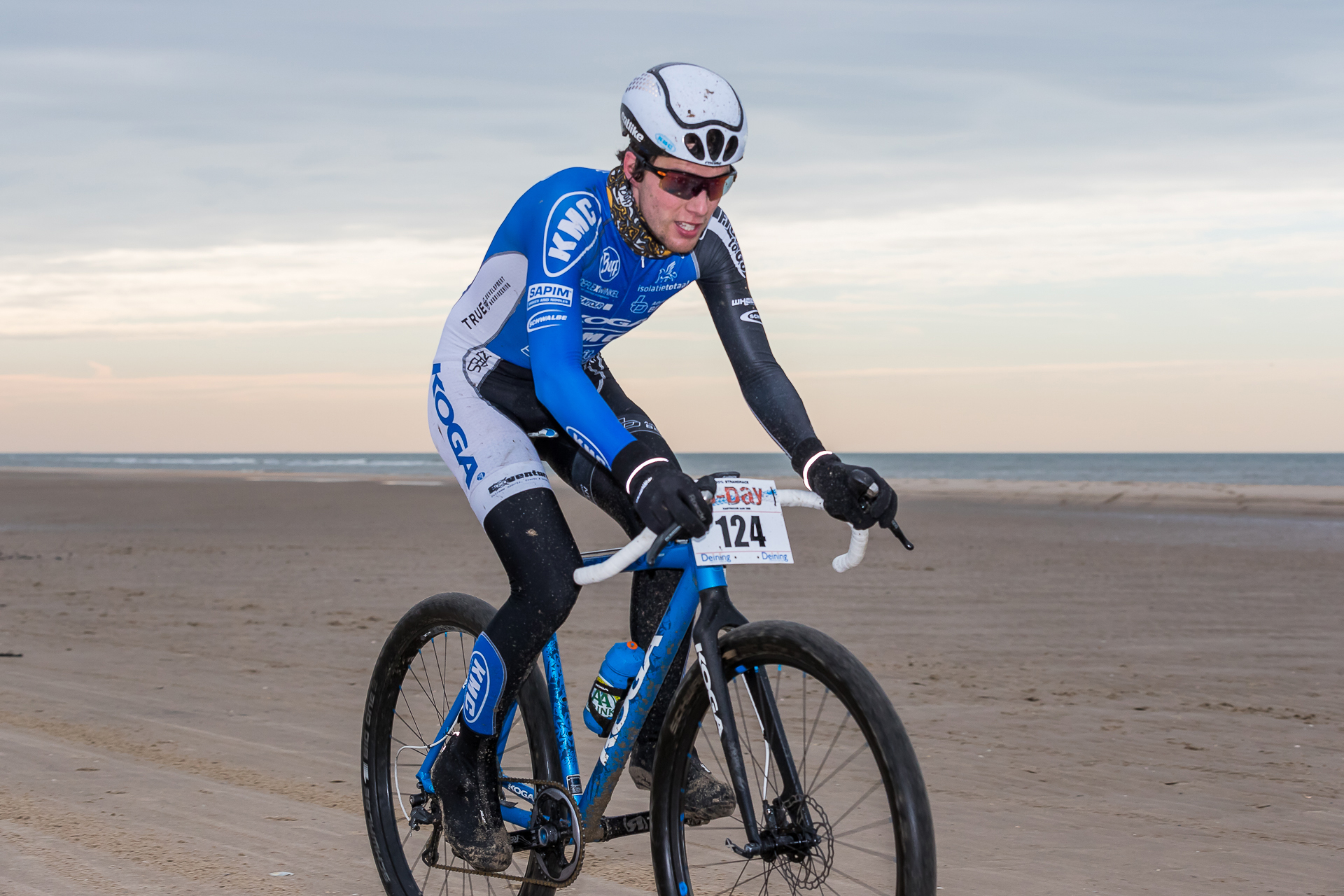 Stefan Vreugdenhil net naast het podium in strandrace