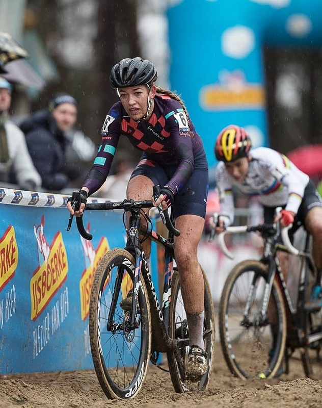 Sophie De Boer pakt haar zesde overwinning van het seizoen in Hoogstraten