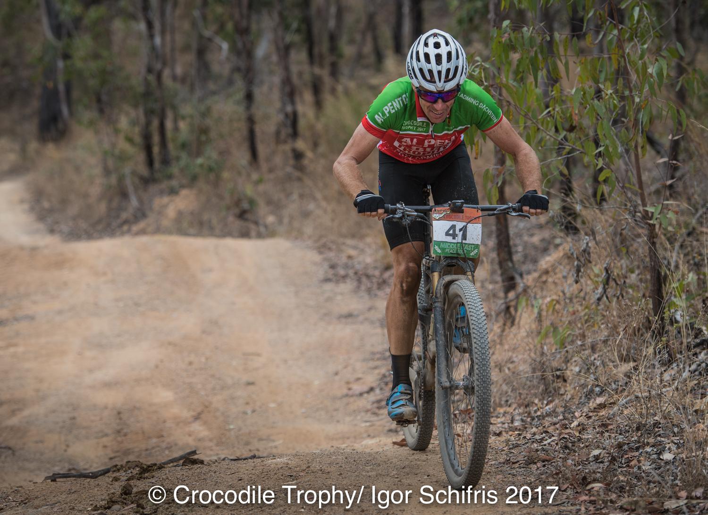 Erik Dekker wint vijfde rit in Crocodile Trophy