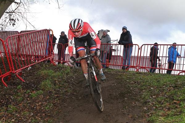 Marianne Vos maakt zich op voor een vroege start van het cyclocrossseizoen