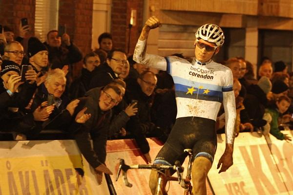 Mathieu van der Poel opnieuw outstanding in Diegem