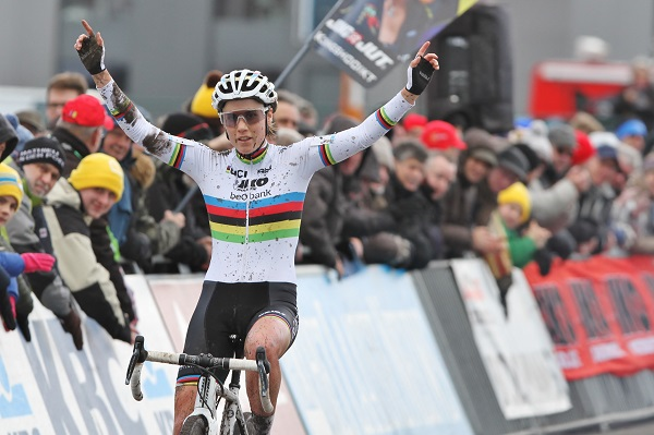 Sanne Cant zegeviert in Superprestige Hoogstraten