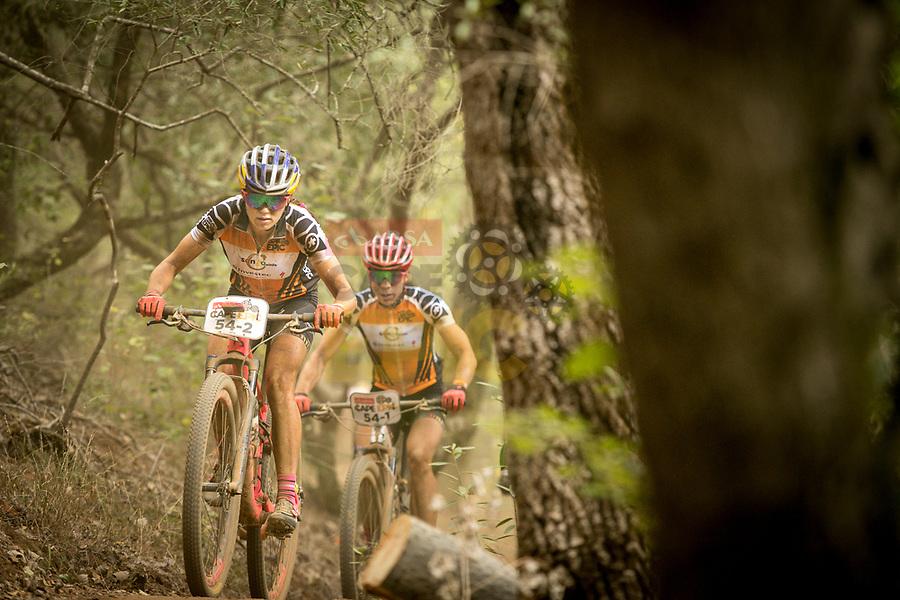 Kulhavy-Grotts en Langvad-Courtney winnen voorlaatste rit Cape Epic