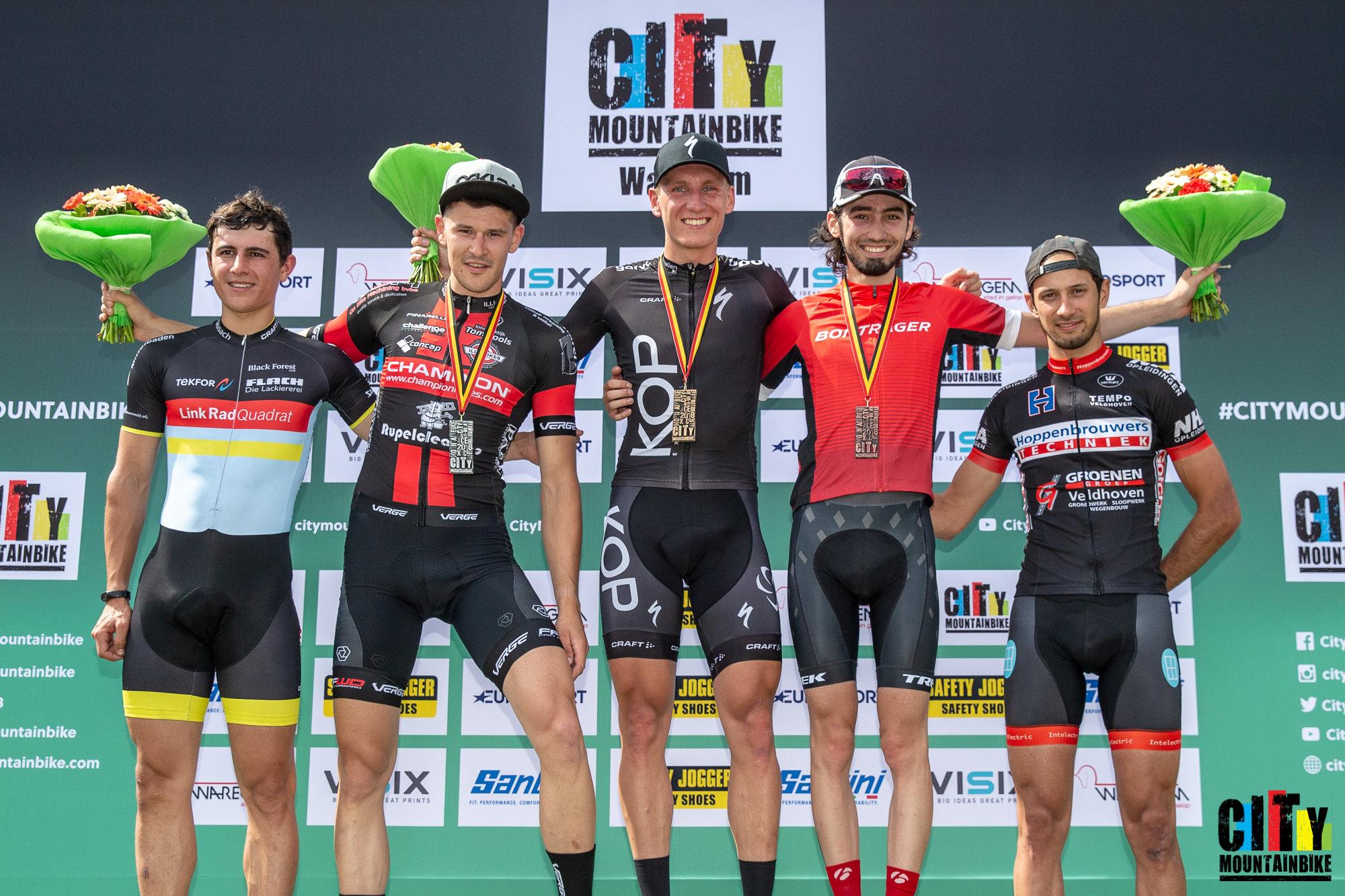Jeroen van Eck wint City Mountainbike in Waregem
