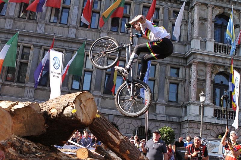 Jack Carthy wint wereldbeker trial in Antwerpen, Kenny Belaey verrast de jonge garde