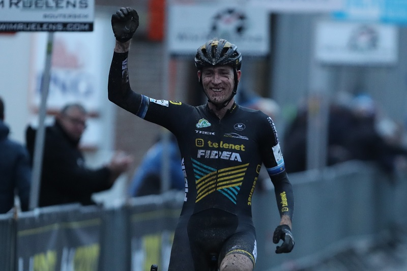 Toon Aerts wint Druivencross in Overijse
