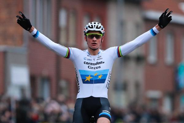 Mathieu van der Poel pakt 100ste zege in Gullegem