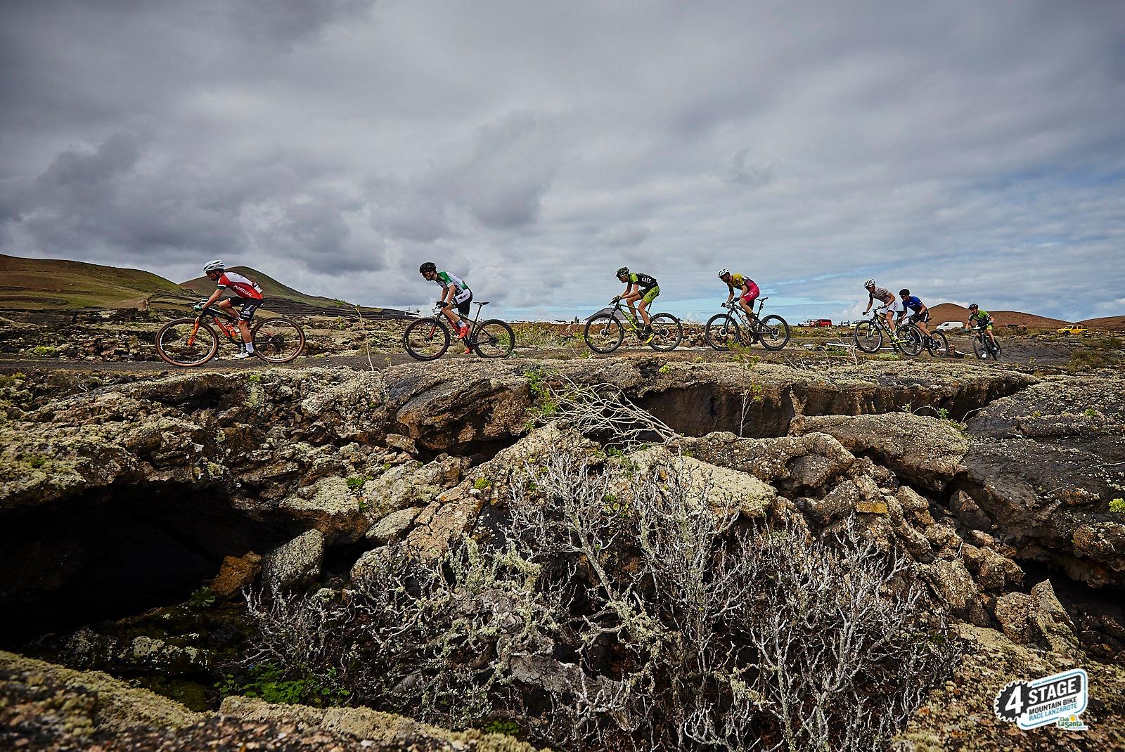 Bartlomiej en Pintaric winnen eerste rit 4stage MTB Lanzarote