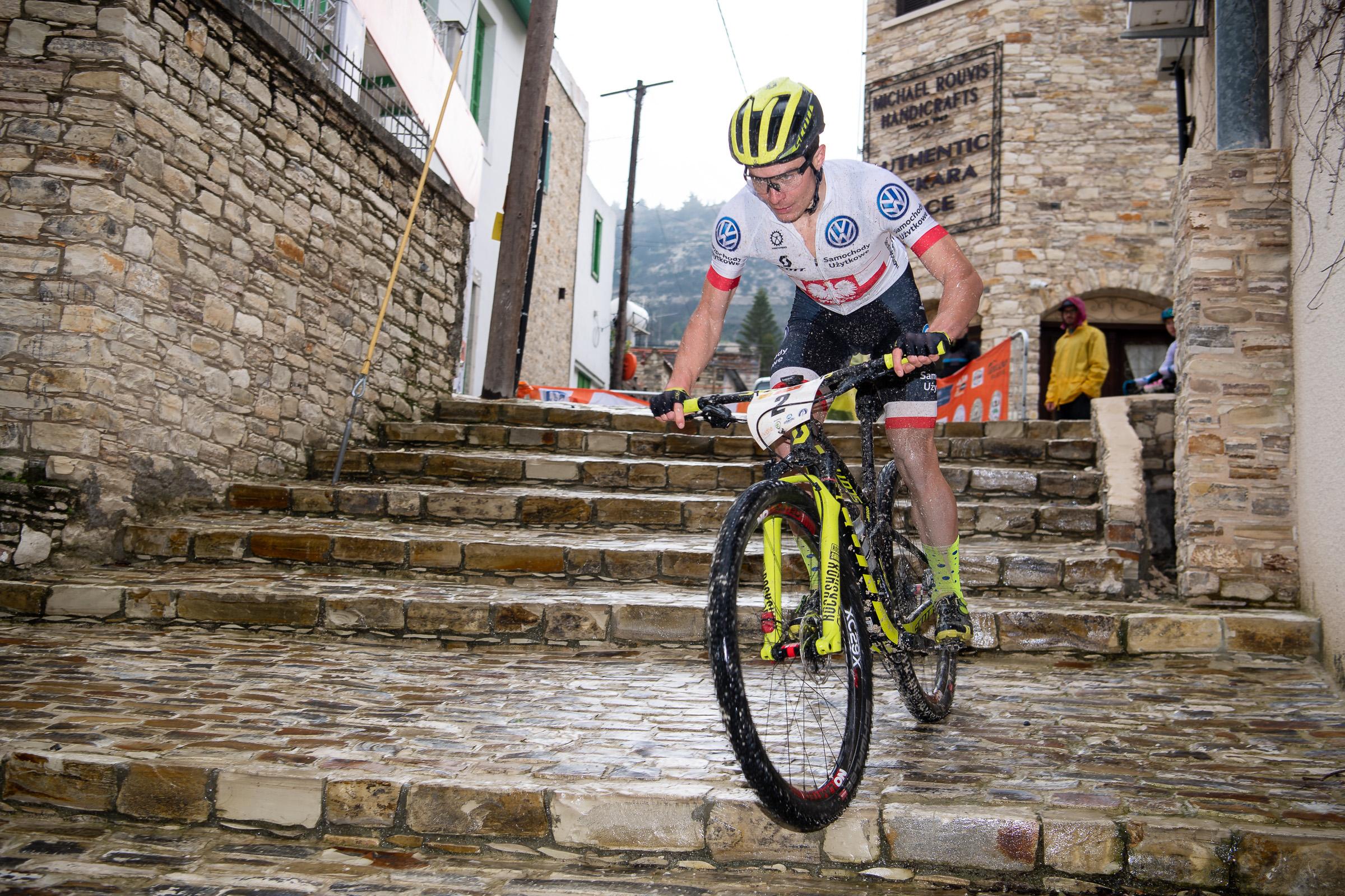 Bartlomeij Wawak en Annika Langvad zegevieren in tweede rit Cyprus Sunshine Cup