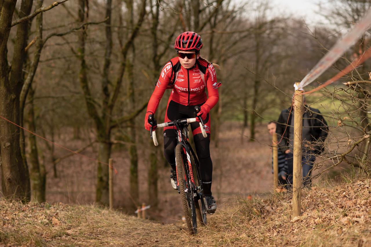 Voor de vierde keer Agter de Berg cyclocross in Hechtelse duinen