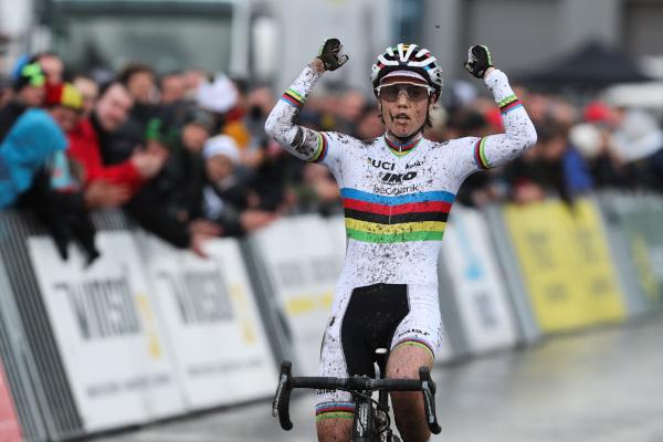 Sanne Cant wint in Hoogstraten
