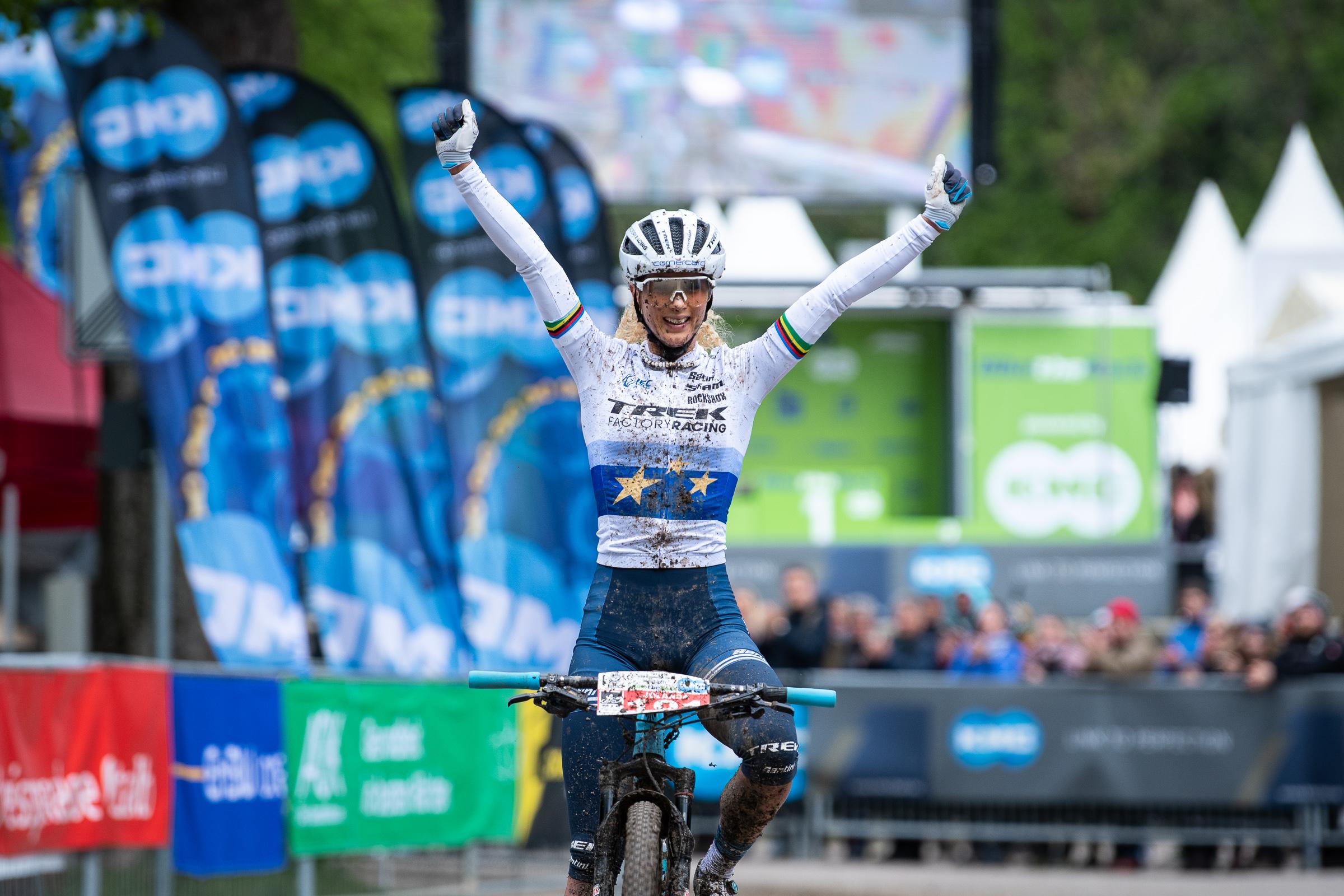 Eerste BiketheRock overwinningen in Heubach voor Jolanda Neff en Ondrej Cink.