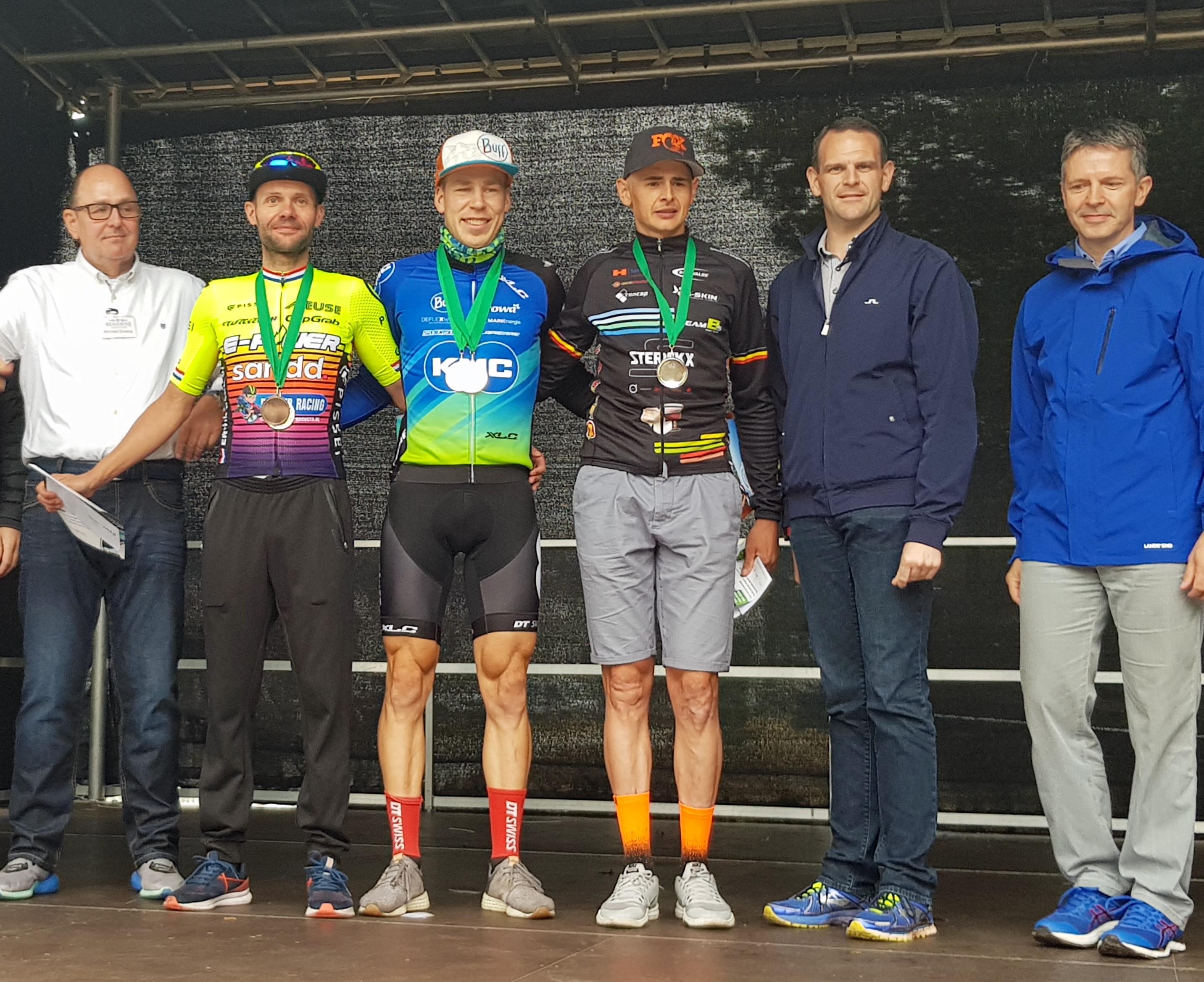 Roel Verhoeven naar winst in de Saarschleifen marathon