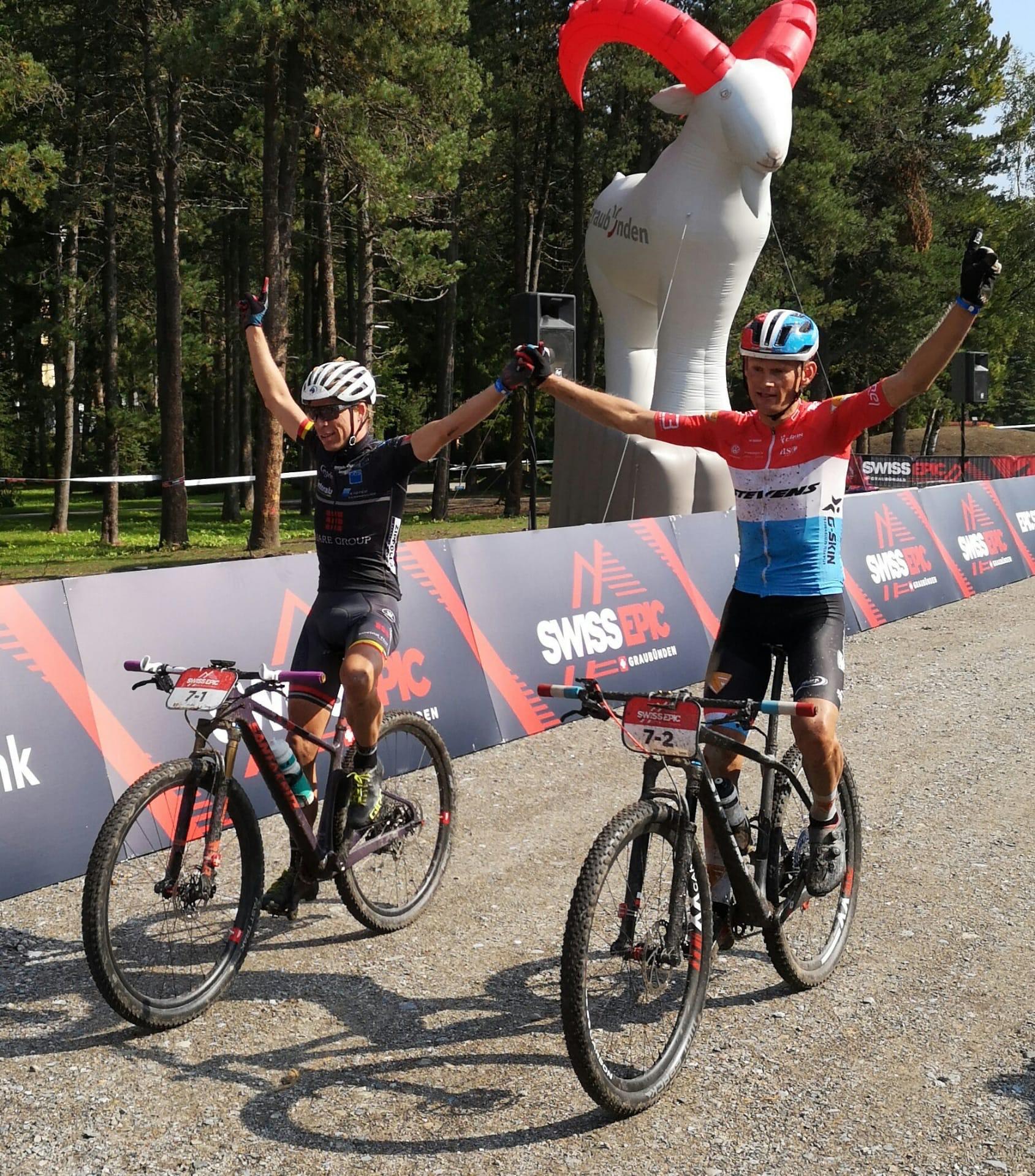 Frans Claes en Soren Nissen winnen slotrit Swiss Epic
