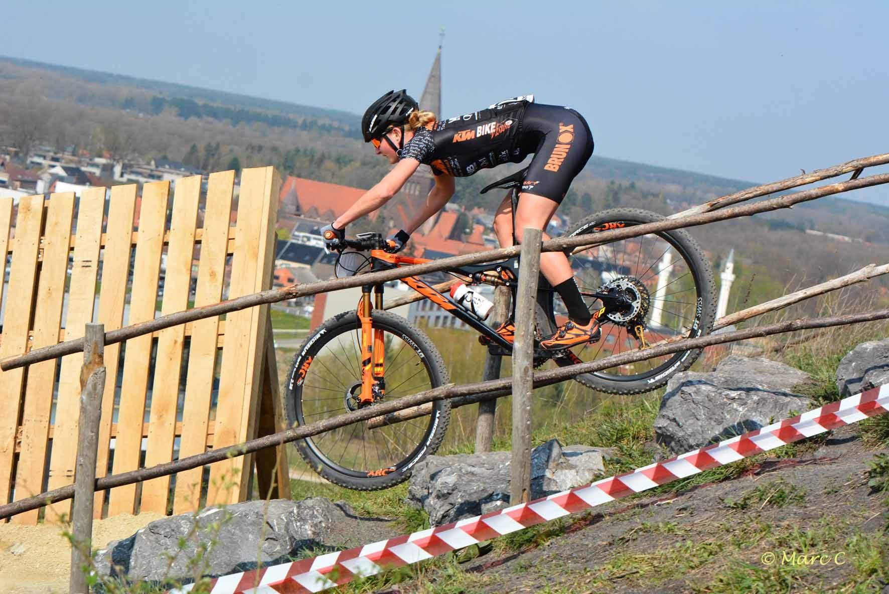 Didi de Vries eindigt vierde in laatste XCE en werd derde in XCO in Winterberg