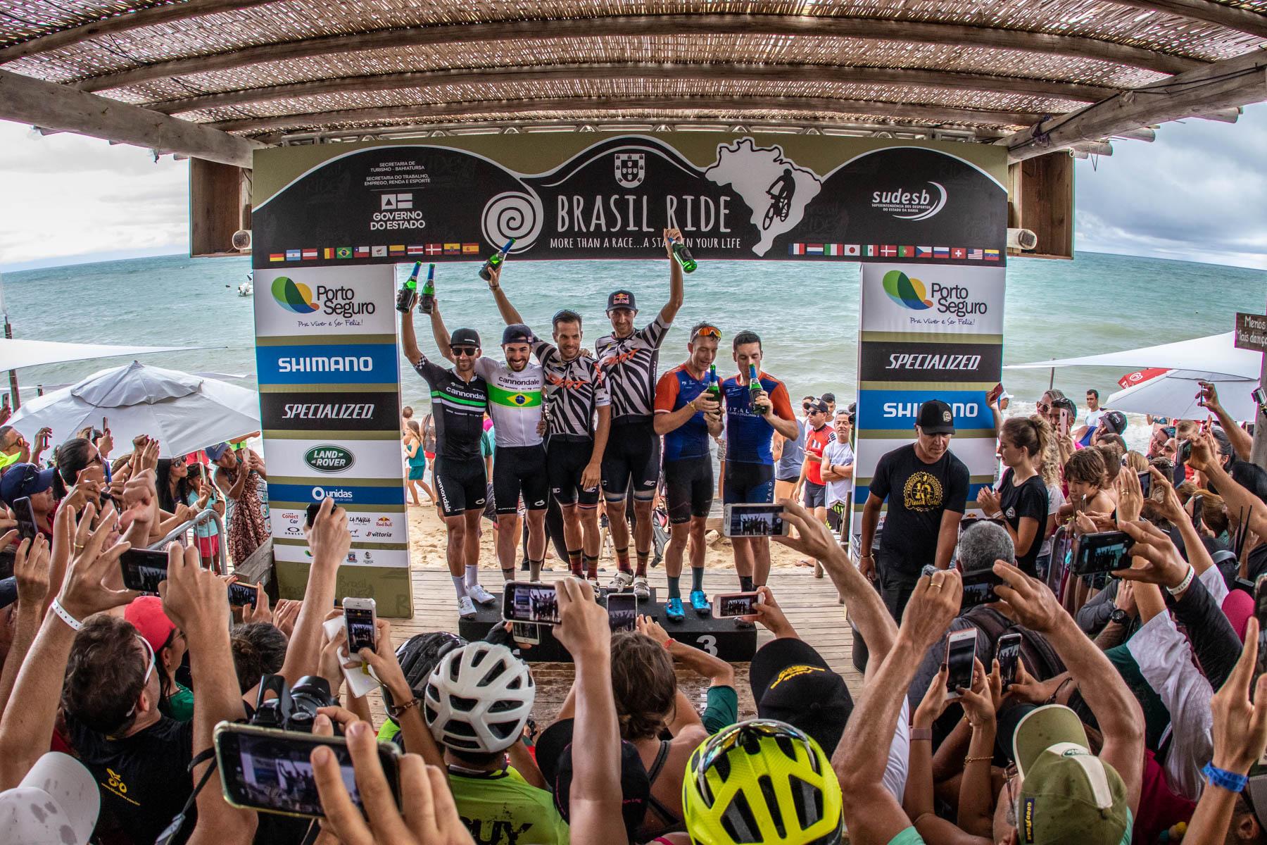 Ferreira en  Becking blijven stevig leider na vijfde rit in Brazil Ride
