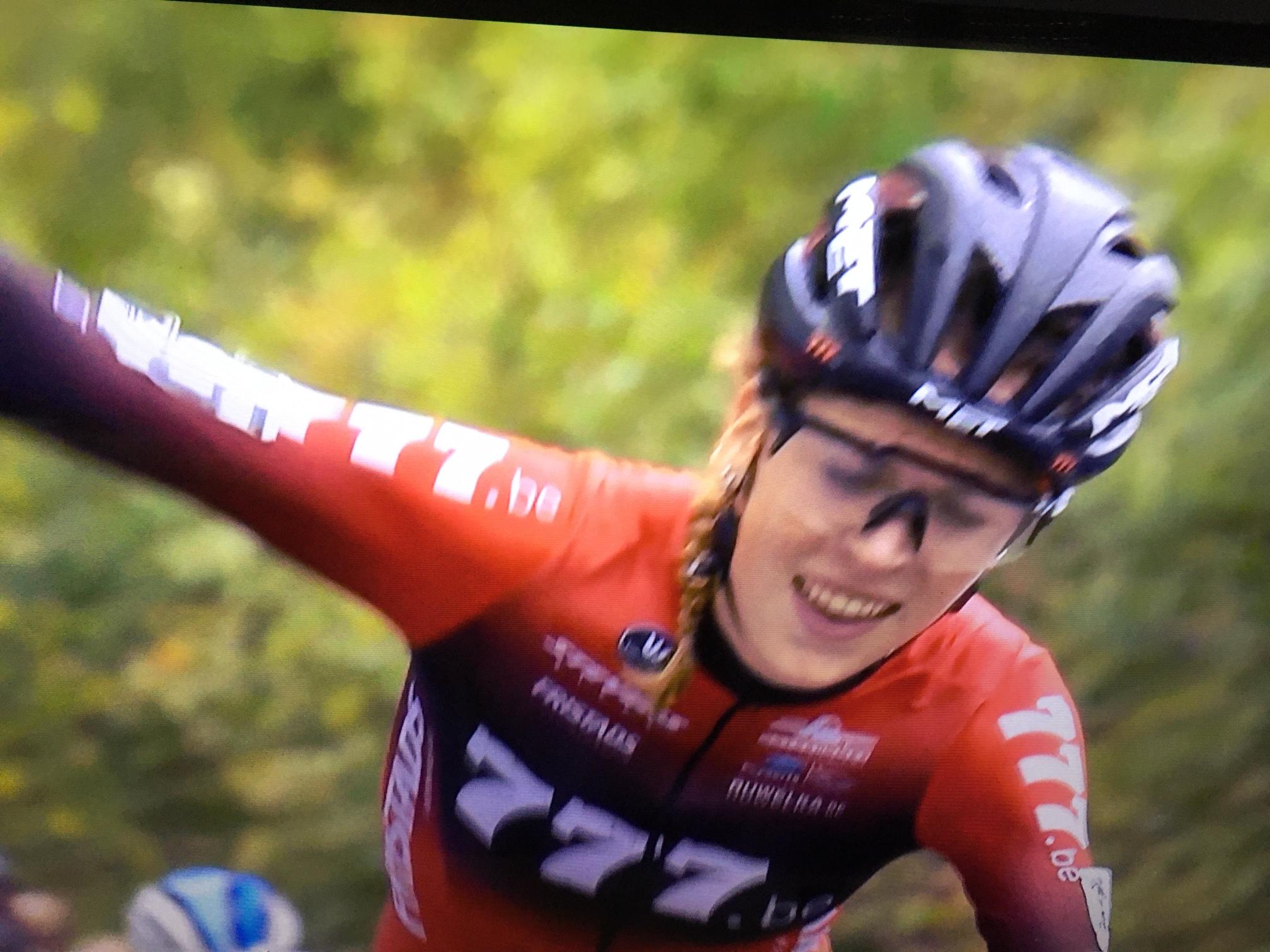 Yara Kasteleijn wint nu ook de Koppenbergcross