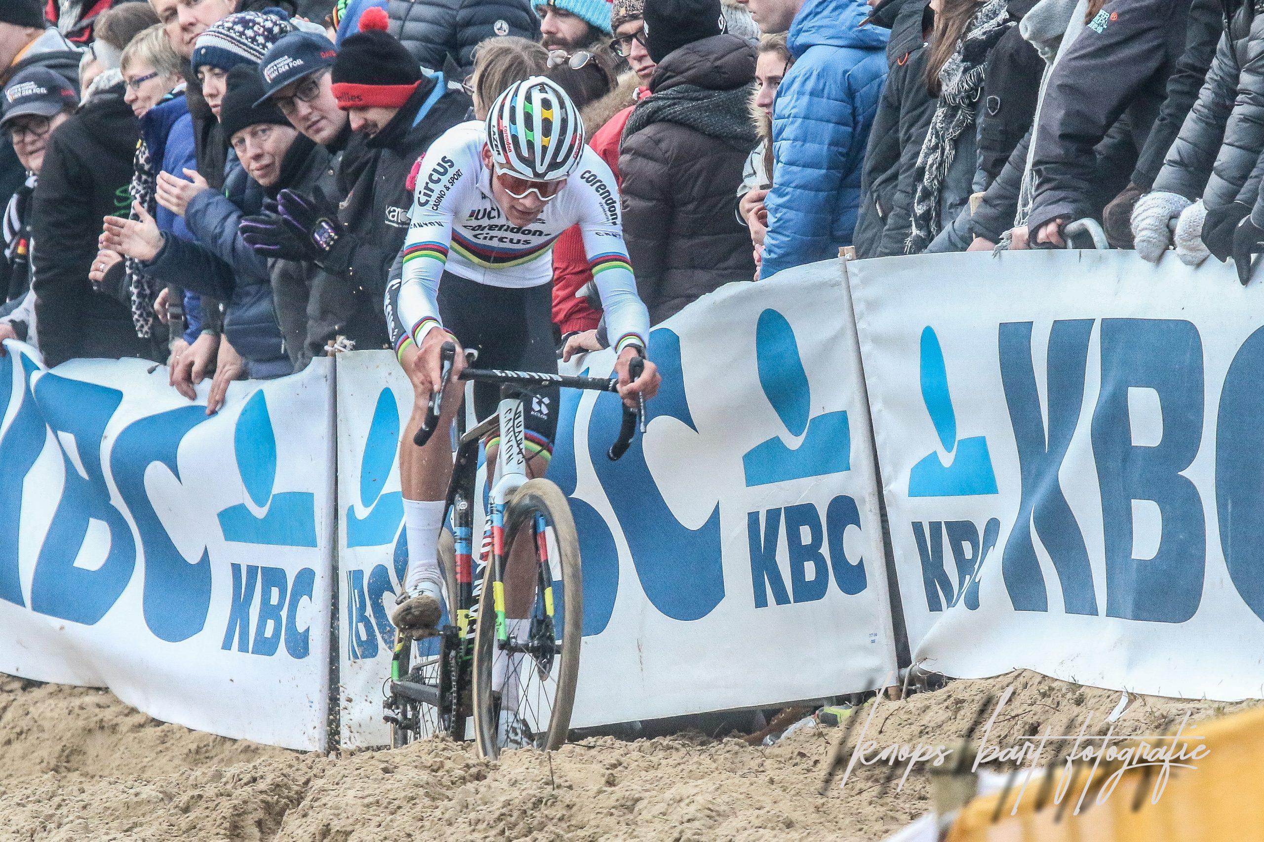 Mathieu van der Poel jaagt op elfde zege in Sint-Niklaas
