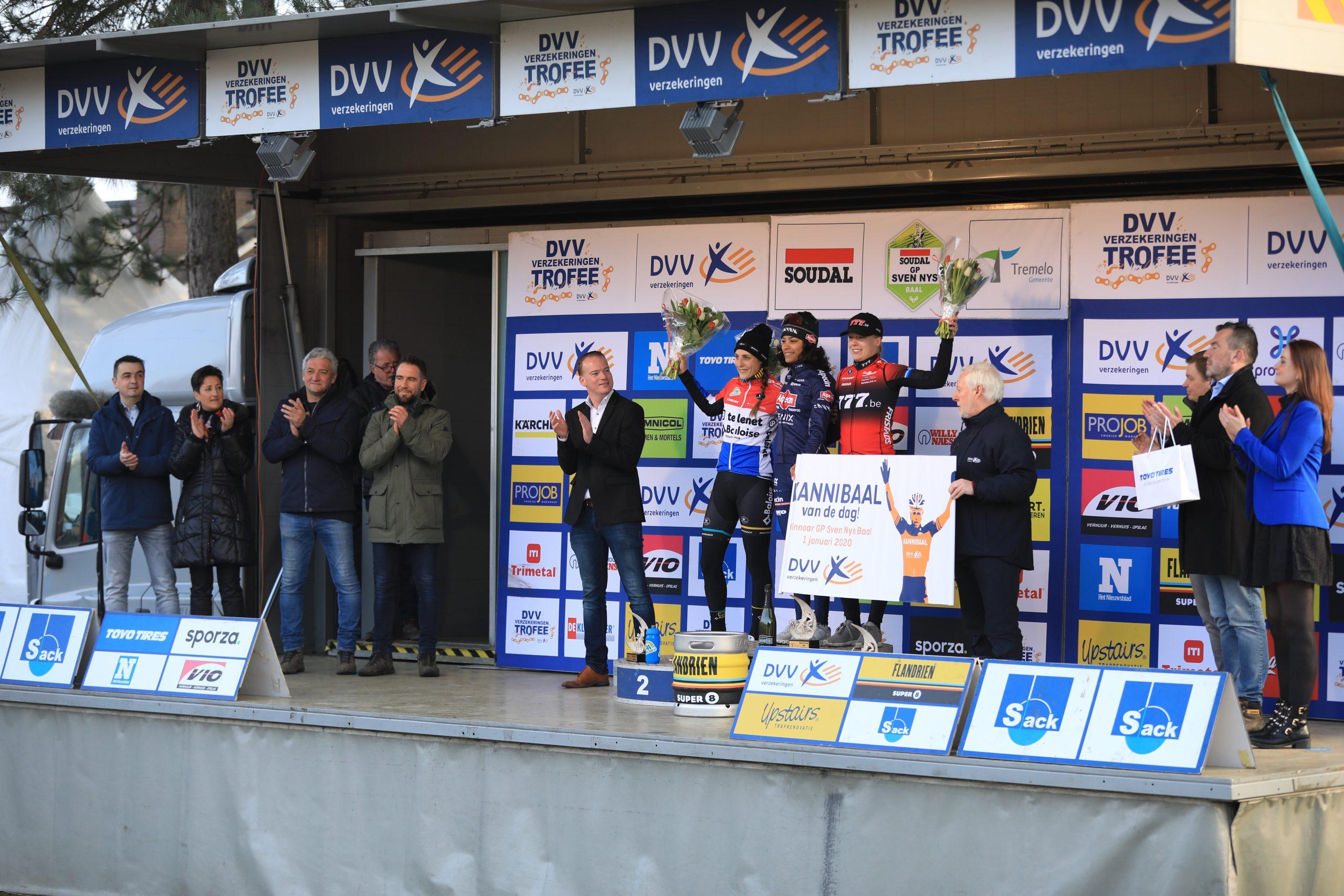 Ceylin del Carmen Alvarado zegeviert in GP Sven Nys in Baal