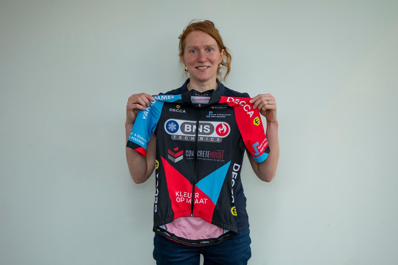 Kim Van de Steene en Lizzy Witlox versterken BNS Technics Concrete House Cycling team