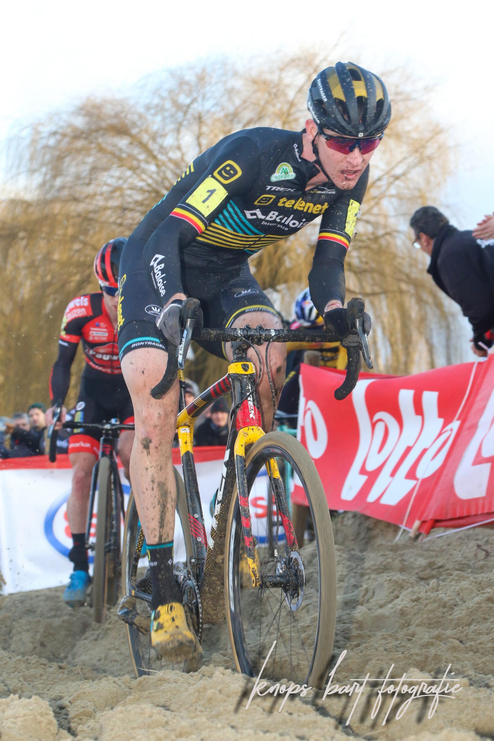 Toon Aerts is de sterkste in GP Leuven