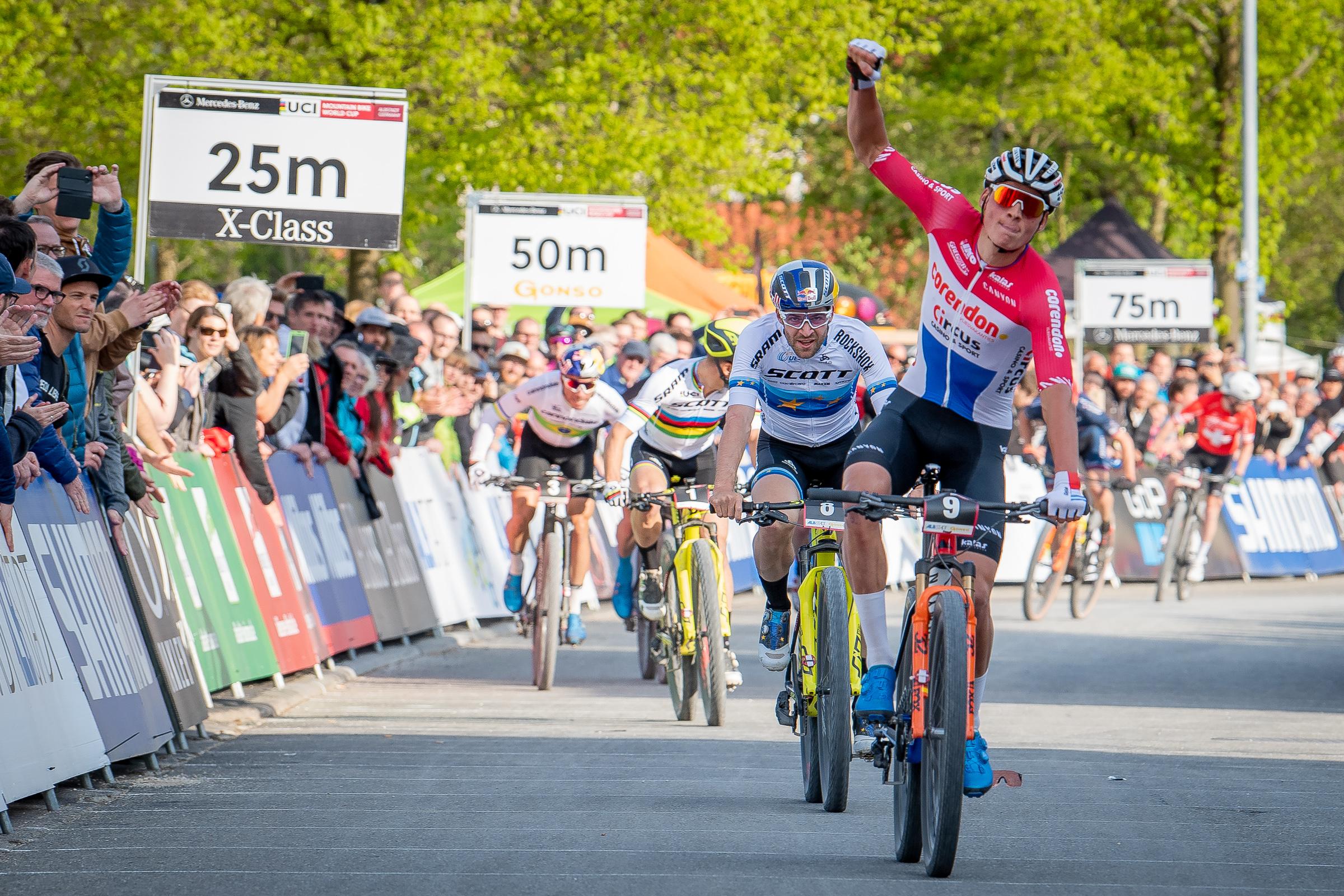 Mathieu van der Poel blijft mountainbiken tot Spelen van 2024