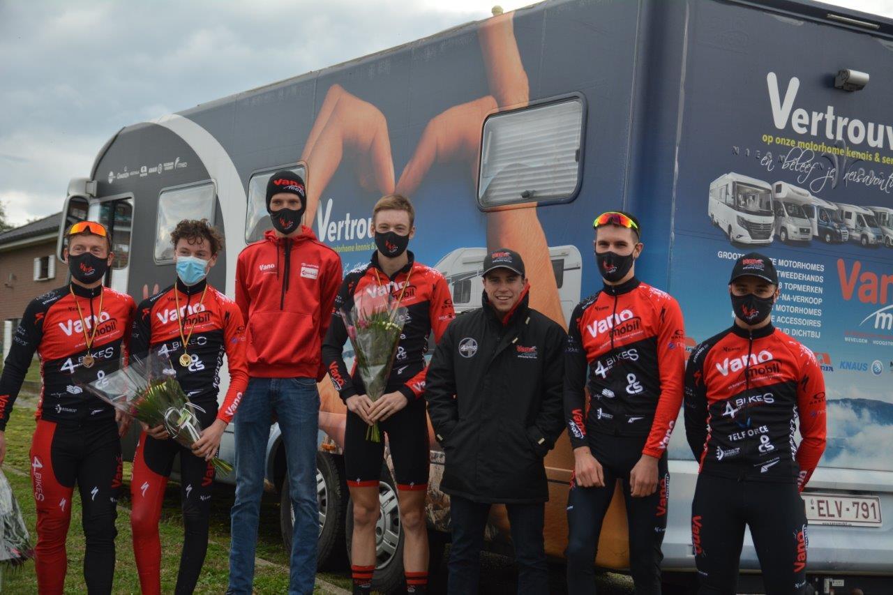 Vijf podiumplaatsen voor de rijders/rijdsters van Vanomobil Cycling Team