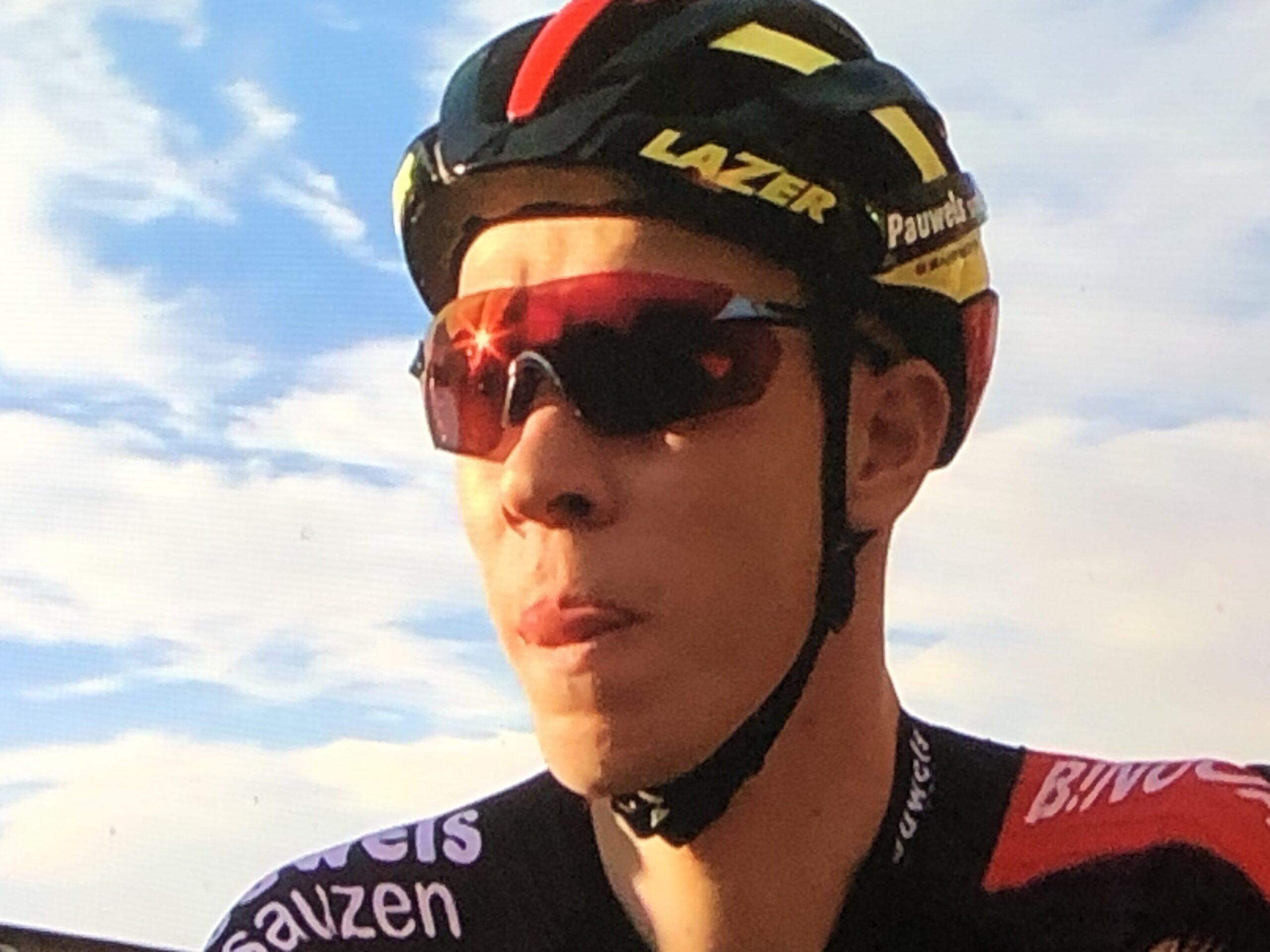 Laurens Sweeck wint in een beklijvende sprint van Toon Aerts