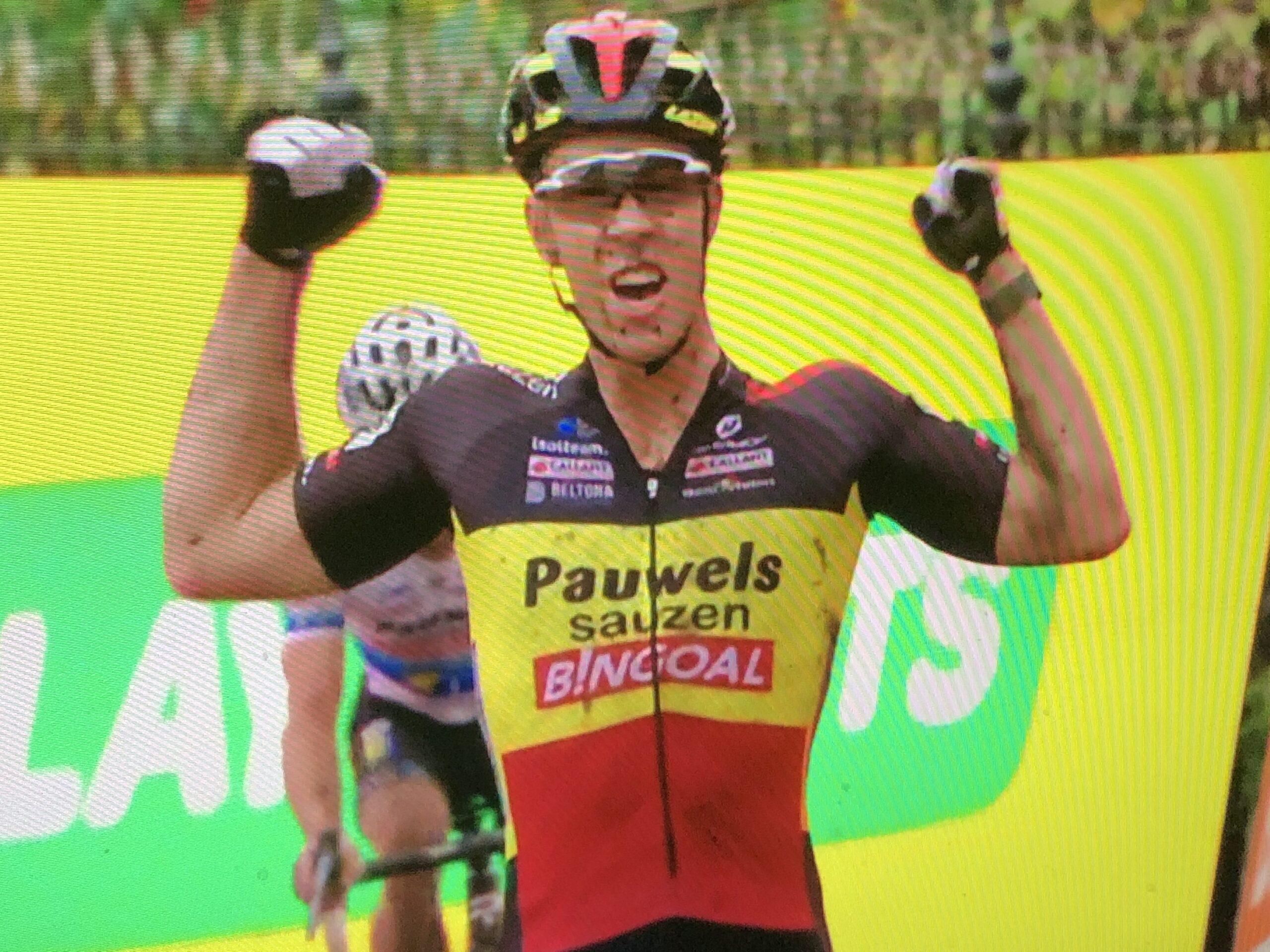 Laurens Sweeck stilt zijn honger met overwinning Jaarcross Niel