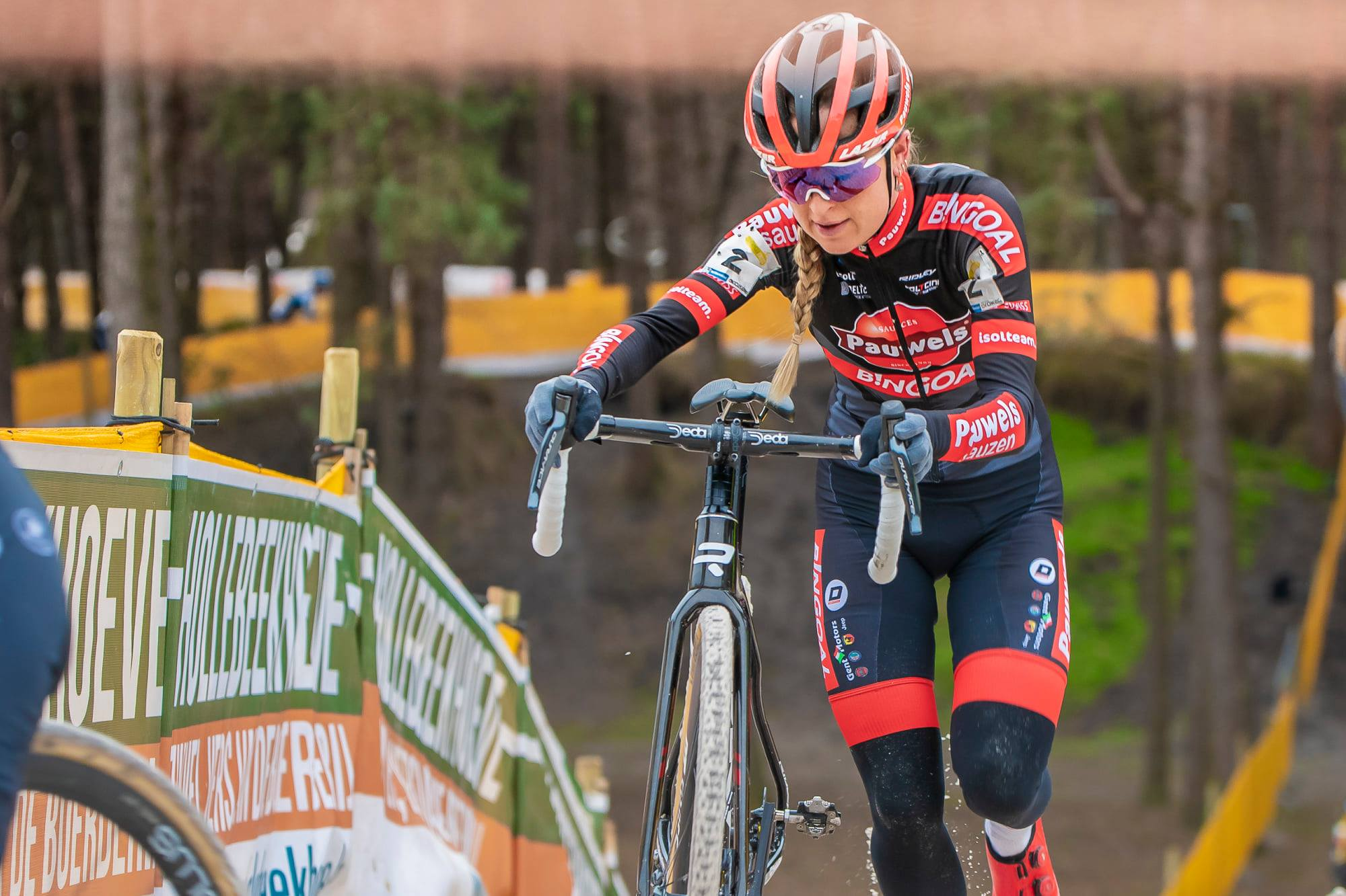 Denise Betsema soloslim naar de overwinning in Sint-Niklaas
