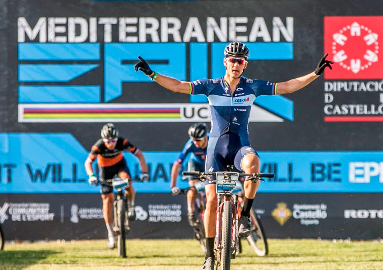 Jaroslav Kulhavy en Martina Berta winnen de laatste etappe van de Mediterranean Epic 2021