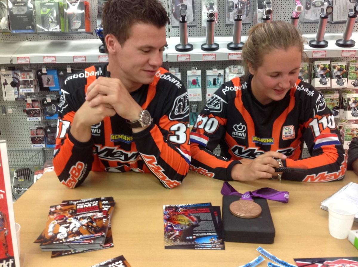Mariana Pajon en Jelle Van Gorkom winnen Supercross finale in Papendal