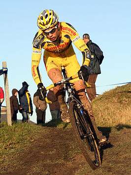 Sven Vanthourenhout hervat fietstraining